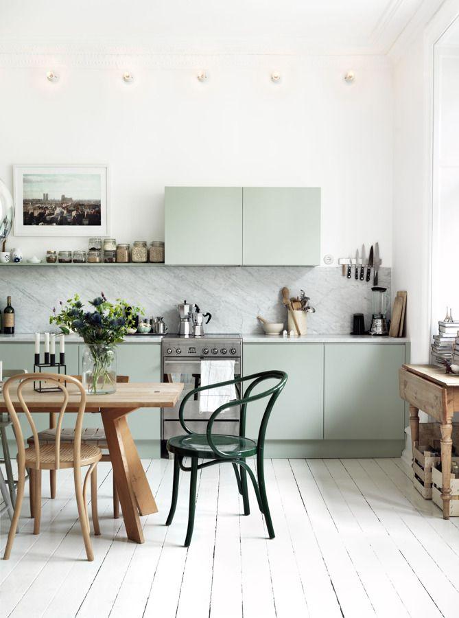 esempio cucina scandinava verde